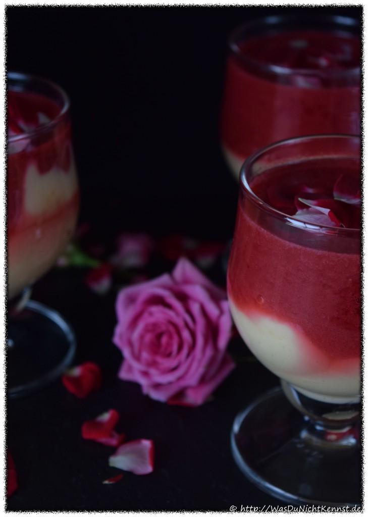 """Vanillepudding mit Rosen-Himbeer-Sauce von """"Was Du nicht kennst"""""""